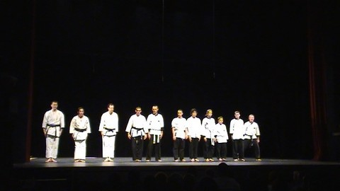 Démonstration de Karaté et de Kobudo au théâtre Le Gyptis à Marseille le 27 Juin 2009